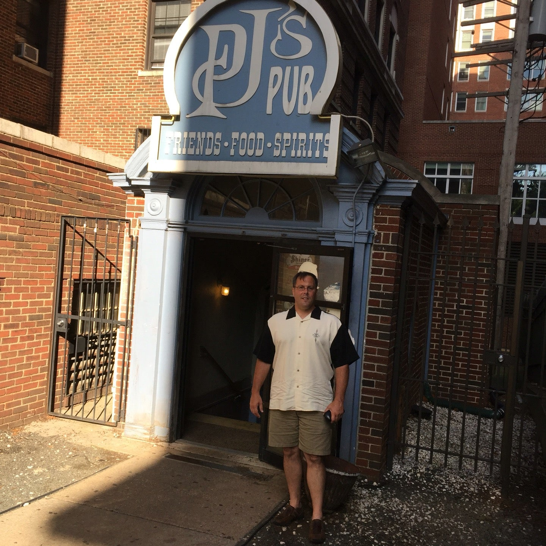 PJ Pub Inc,college crowd,dive bar