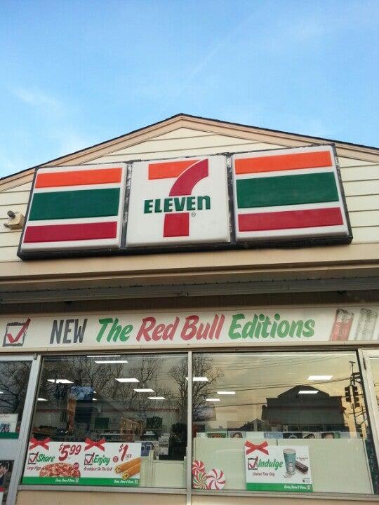 7-Eleven,convenience store