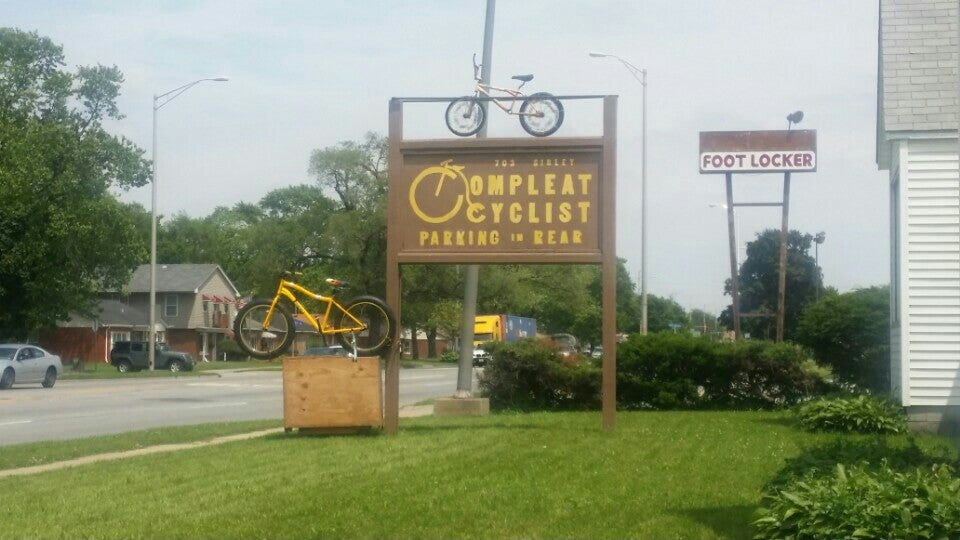 COMPLEAT CYCLIST,