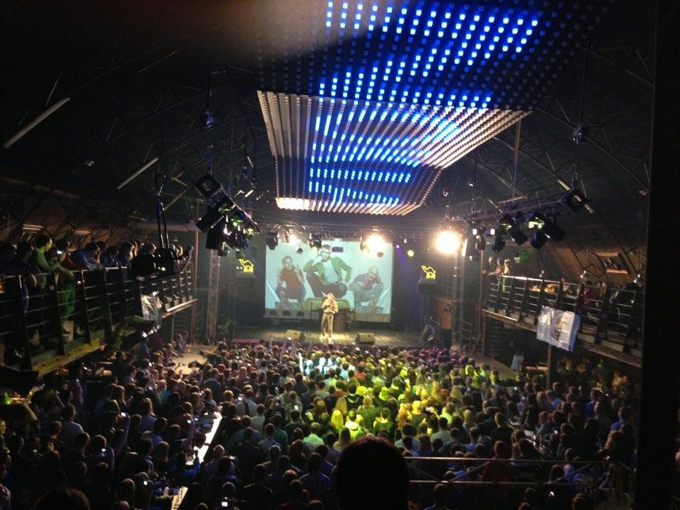 Ночной клуб в омске ангар клуб шоколадная фабрика в москве