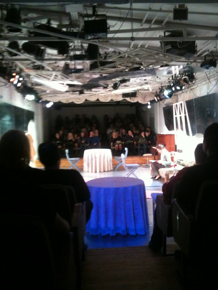 Бенефис театр афиша москва емелин афиша концертов