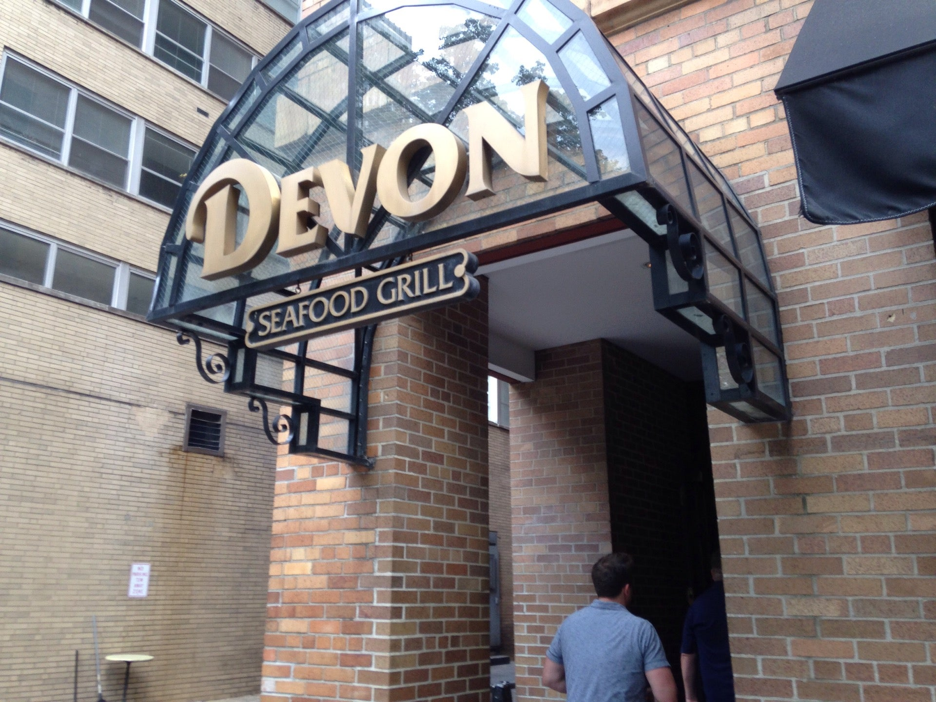 Devon Seafood Grill,oysters,seafood,zagat-rated