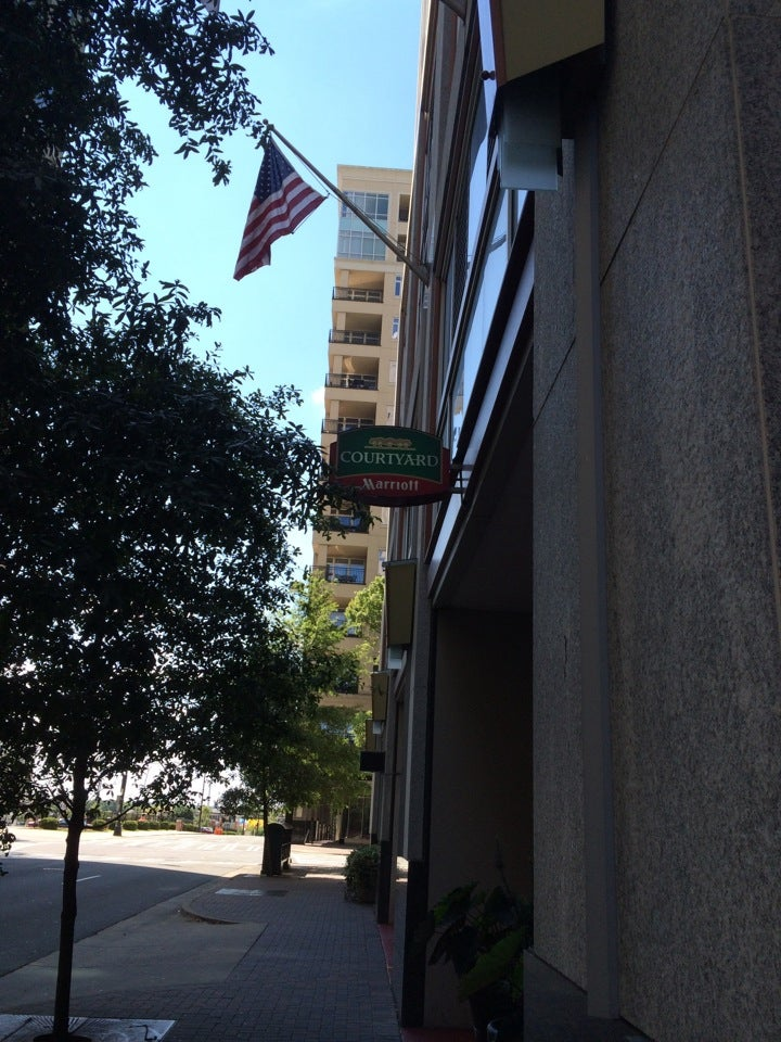 Courtyard by Marriott,zagat-rated