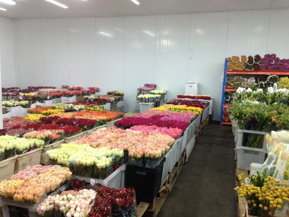 Воткинске, свежие цветы по оптовым цене воронеж