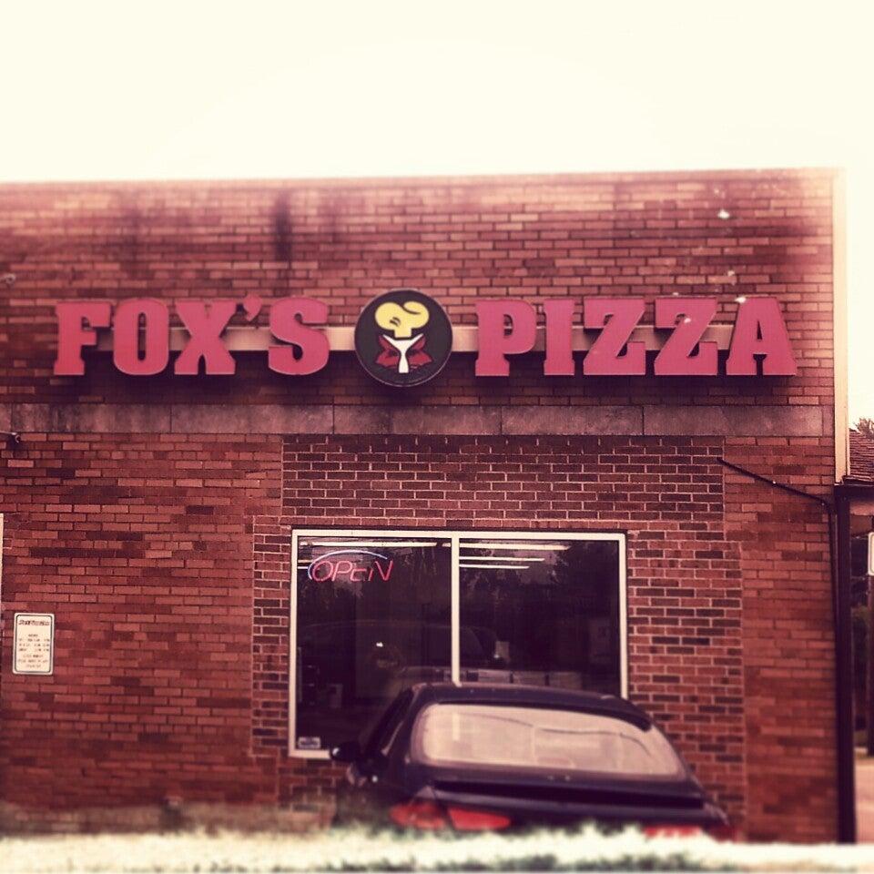 Fox's Pizza Den,