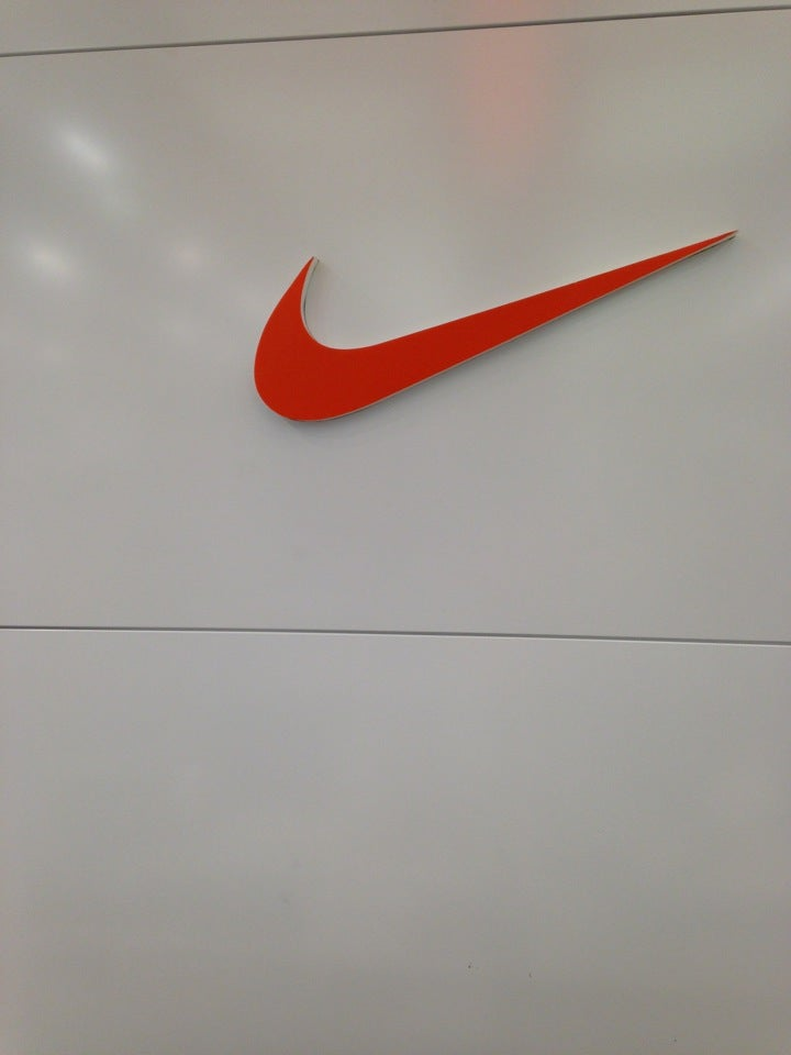fa3b30a115a9 Nike на Родионовой, отзывы о спортивных магазинах Нижнего Новгорода, адрес,  телефон и фото Nike на карте