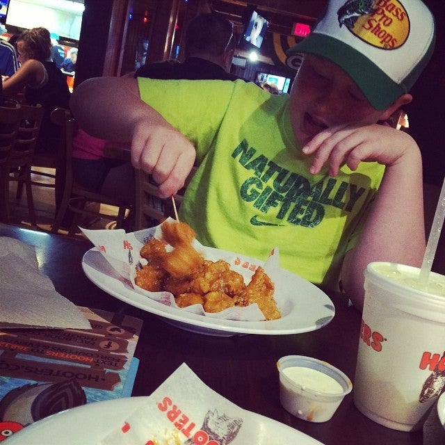 Hooters,