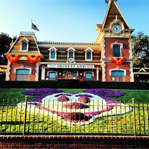 Disneyland Orange County Tickets Schedule Seating