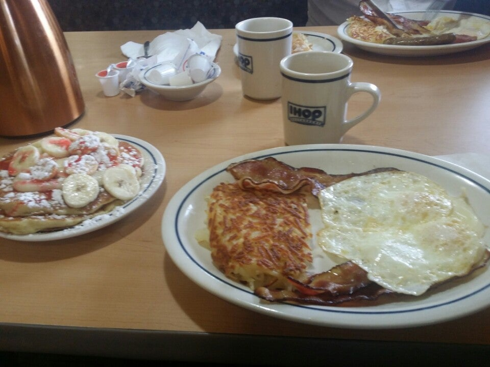 IHOP,24 hour,breakfast,restaurant