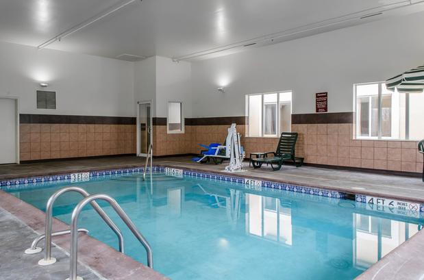 Sleep Inn & Suites,amish,attractions,choice hotels,coffee,corporate,hotel,lancaster, pa,laundromat,office,pool,sight and sounds