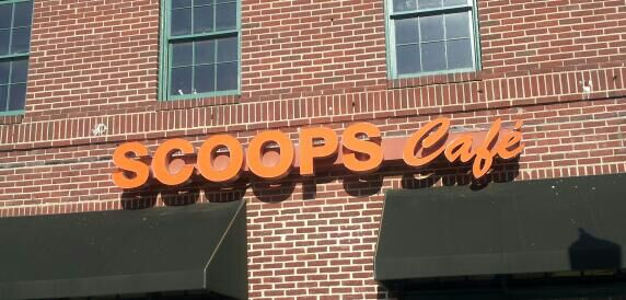 SCOOPS CAFE,