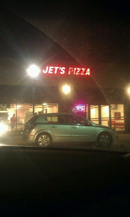 JET'S PIZZA,