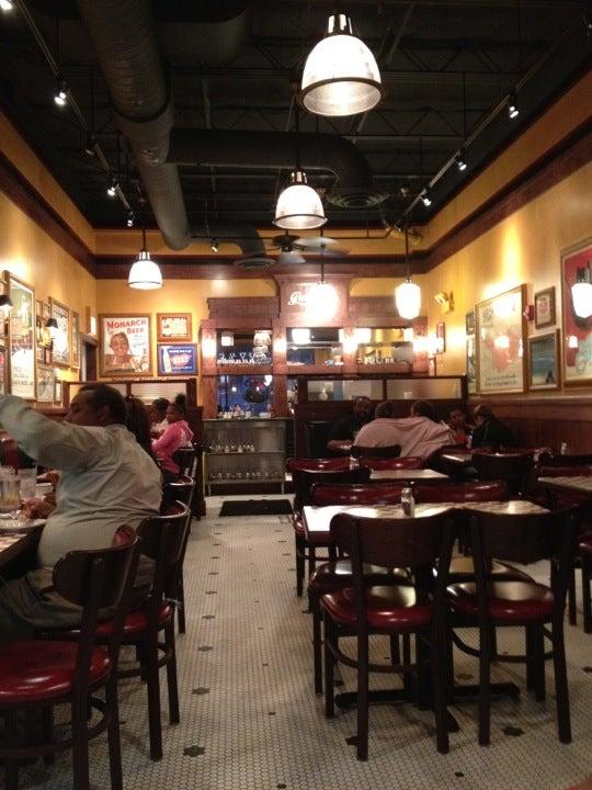 Giordano's Pizza,