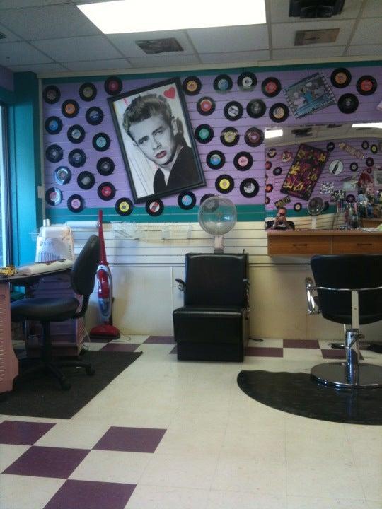 Massaggio's Salon,