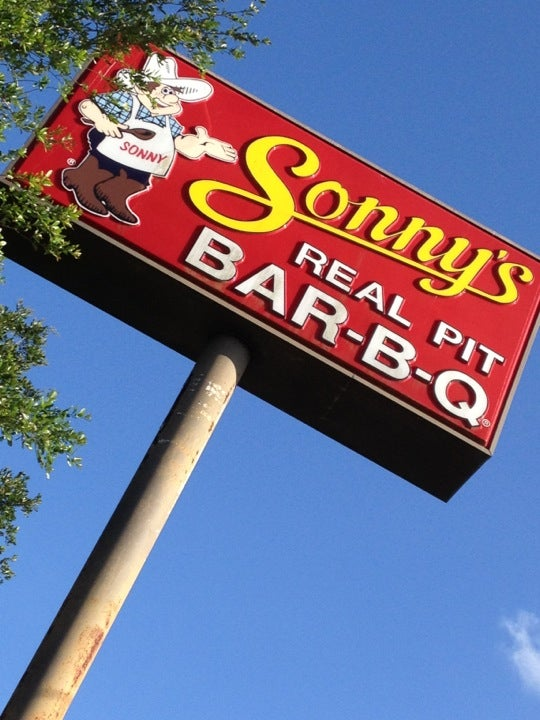 Sonny's Bar-B-Que,2-4-1,2-4-1drinks,bar,bbq,pulled pork,pulledpork,takeout,wings