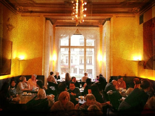 caf restaurant wintergarten im literaturhaus caf in berlin deutschland reisef hrer tripwolf. Black Bedroom Furniture Sets. Home Design Ideas