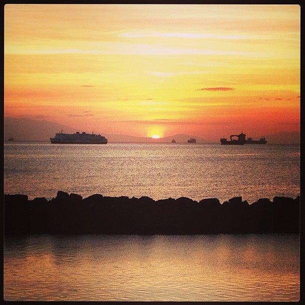 Manila Bay Dinner Cruise