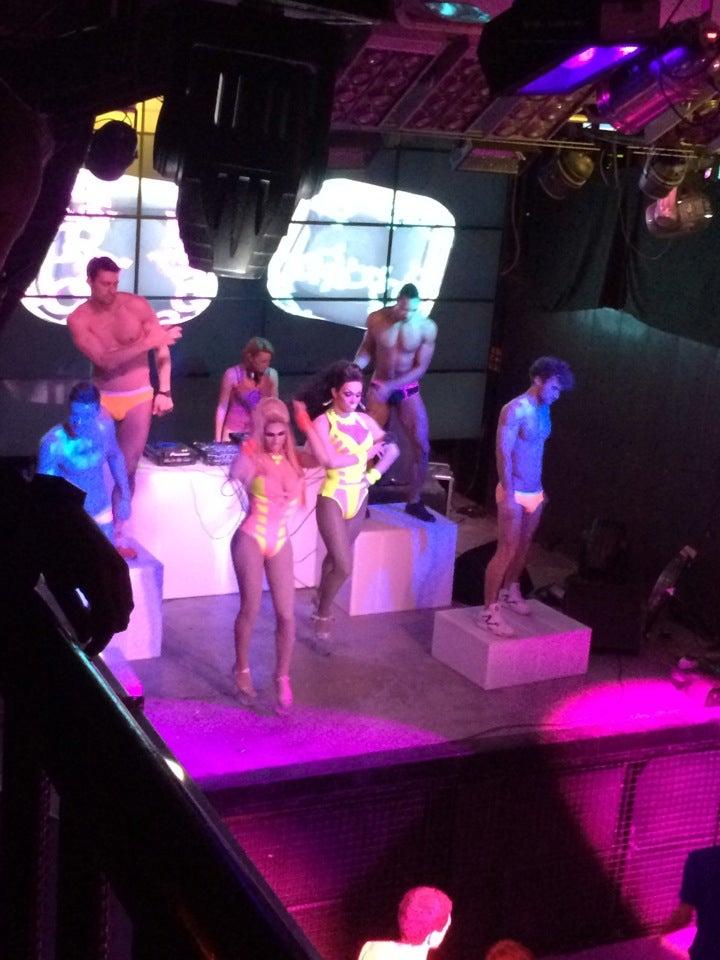 Отзывы о посещении гей клубов фото 375-772