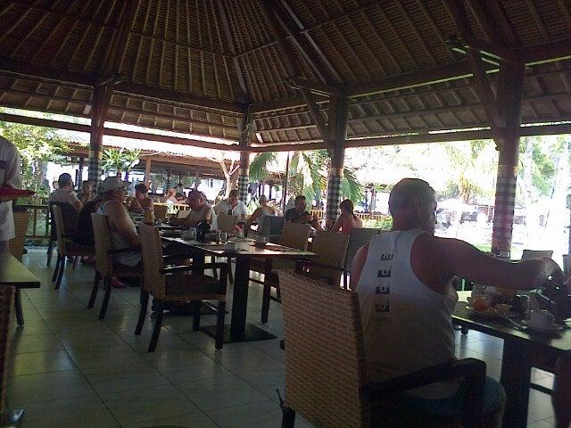 Beach Club Bar & Restaurant