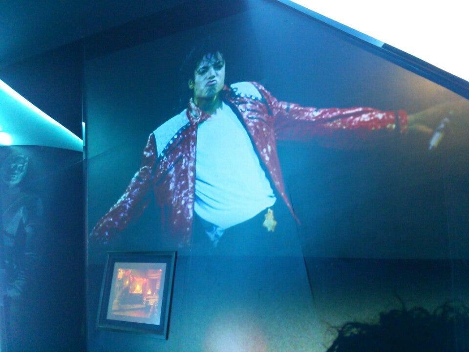 Michael Jackson Gallery At Ponte 16