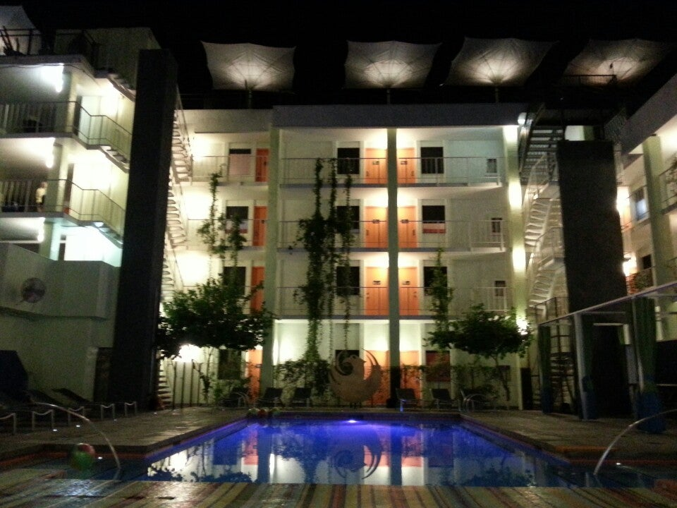 Photo of Clarendon Hotel and Suites