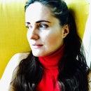Kriszta Kertész-Szabó