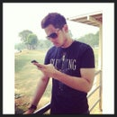 Nik Azhar