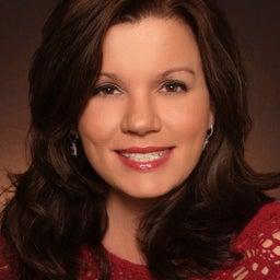 Lori Bee