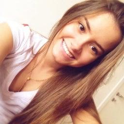 Julia Oliveira