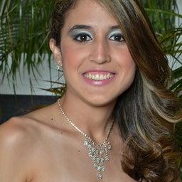 Julya Crevelaro