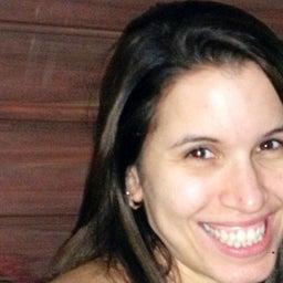 Maria Elisa Caldas