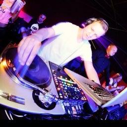 DJ B_ROB