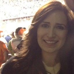 Adriana Banuelos
