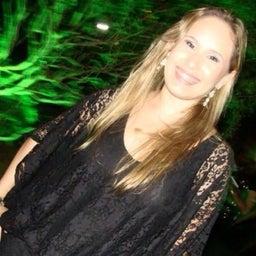 Júlia Melo