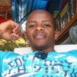 Evans Gichomo