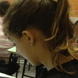 Camila Neves